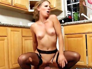 Alyssa Dutch Gets Bill Bailey's Dick In Cunt