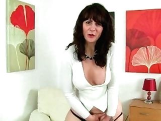 Scottish Mummy Toni Lace Dips Her Frigs Into Her Appetizing Cunt