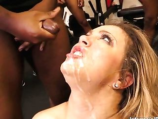 Insatiable Hooker Carmen Valentina Serves A Few Fuckfest-starved...