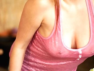 Ample Cleavage Cougar Sophia Delane Will Drive Your Dick Crazy